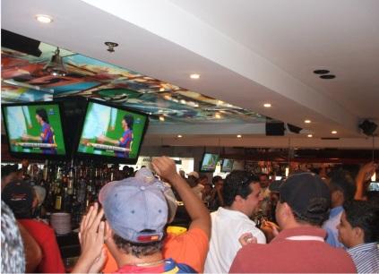 Los bares en Tegucigalpa pasana abarrotados cada fin de semana, viendo los juegos de la Liga de España. Así como a media semana con los juegos de la Champions Europa League.